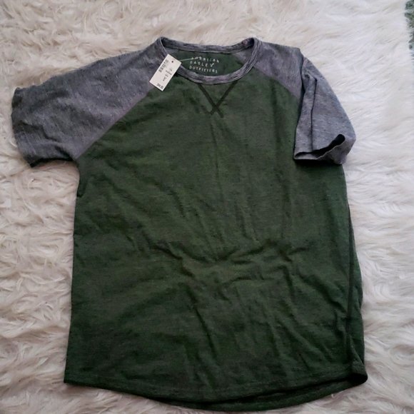 Mens medium American Eagle Outfitters shirt